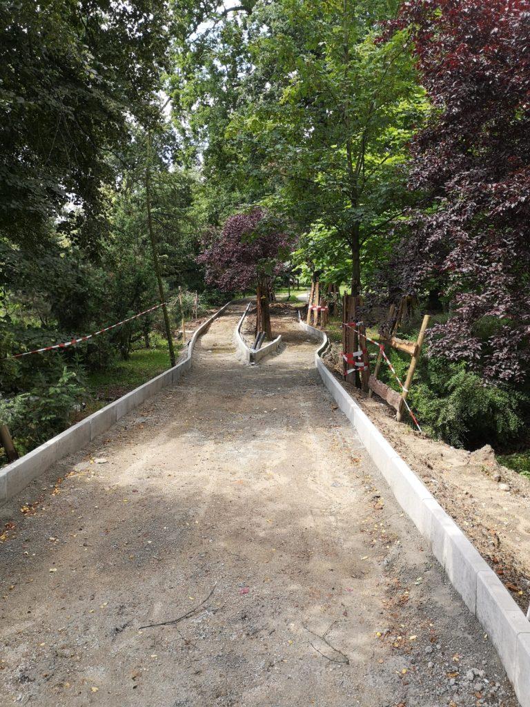 Realizacja ścieżki rowerowej w Parku Klecińskim