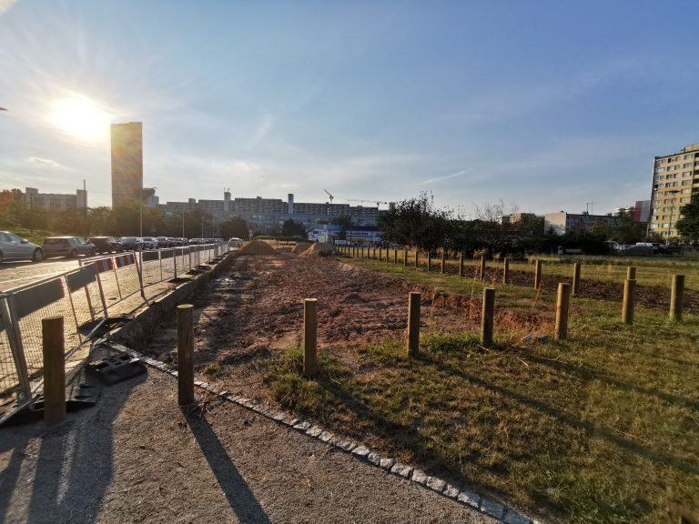 Rekultywacja terenu przy Sanockiej, Ślężnej, Studziennej – utwardzanie nawierzchni
