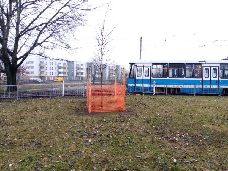 """Parking """"Parkuj i jedź"""" na pętli tramwajowej Klecina"""