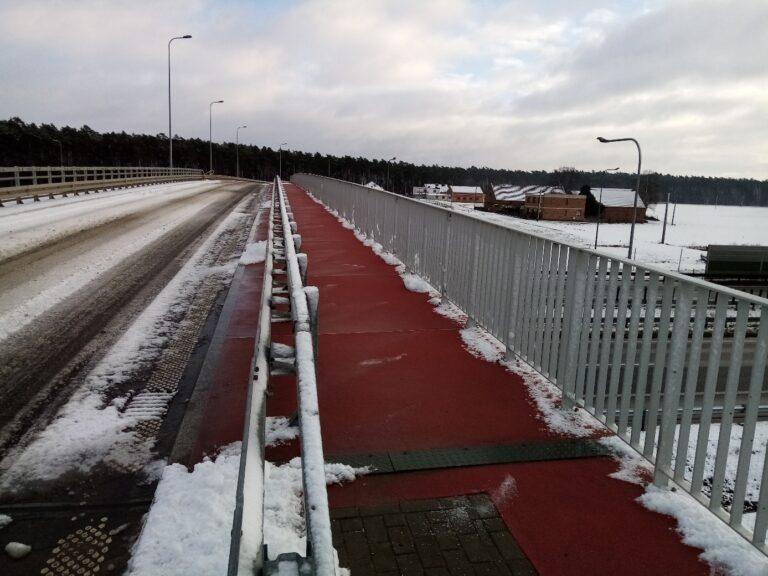 Zimowe utrzymanie drogi na WD-14